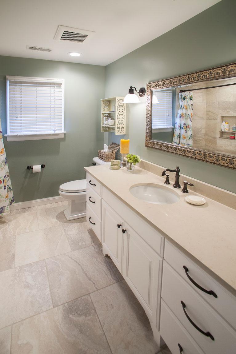 Bathroom remodel st louis roeser home remodeling for Bathroom remodeling st louis