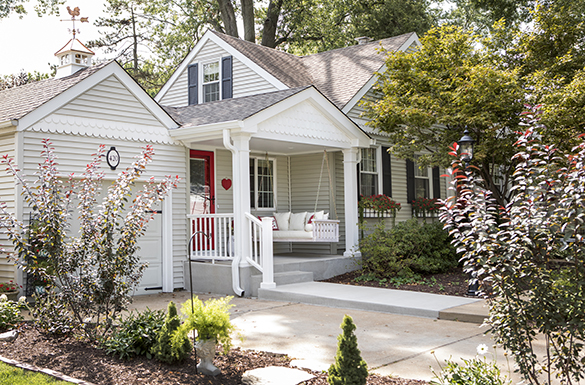front-porch-Roeser-home-remodeling-St-Louis