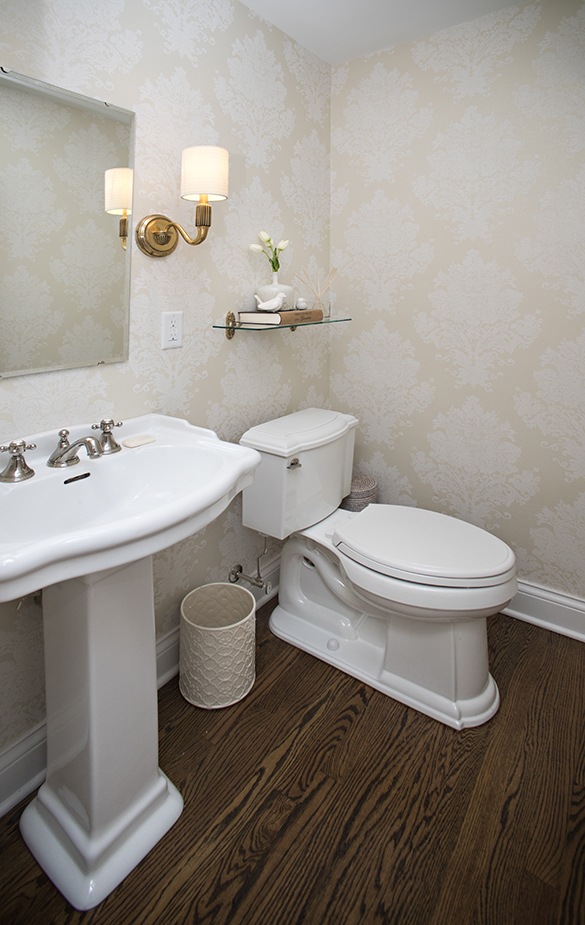 half-bath-remodel-Roeser-home-remodeling-St-Louis