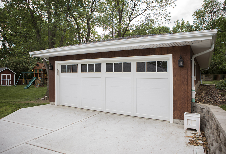Roeser-Home-Remodeling-St-Louis-stand-along-garage-white-doors-2018