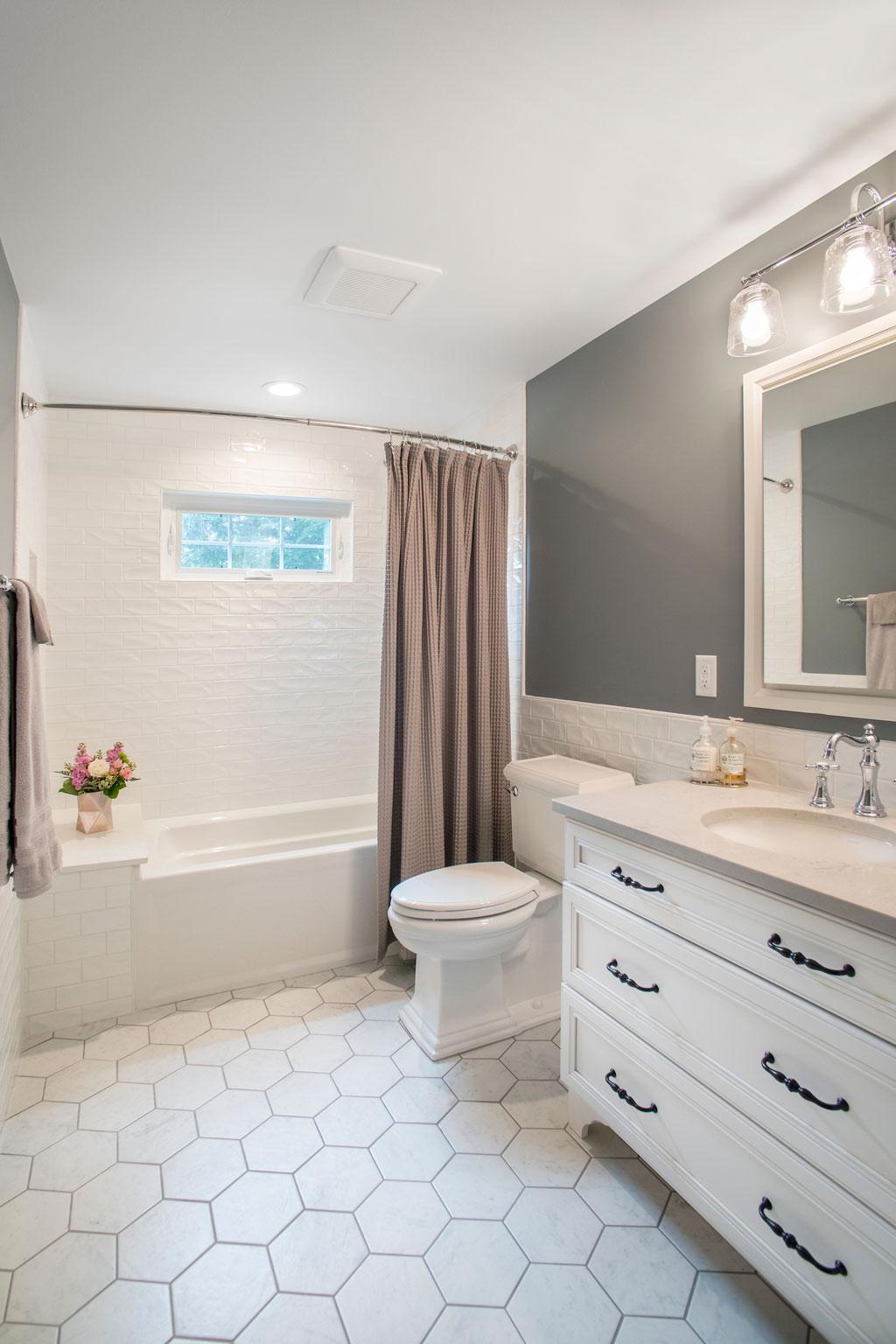 Roeser-Home-Remodeling-St-Louis-bathroom-remodel-Vollmer